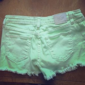 NWOT light green midrise distressed sz 3/26 shorts